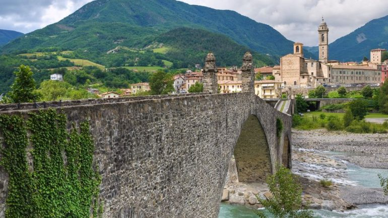 14437633 - hunchback bridge. bobbio. emilia-romagna. italy.