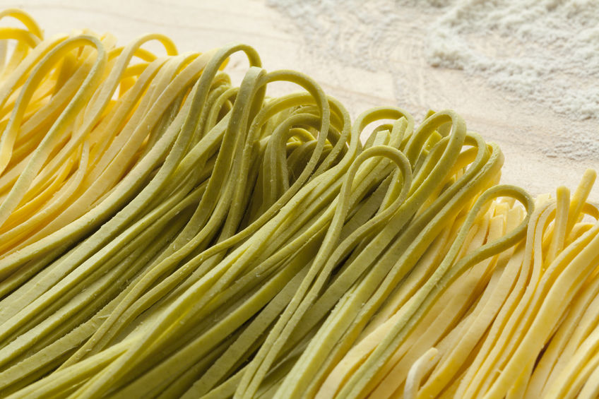 fresh white and green tagliolini