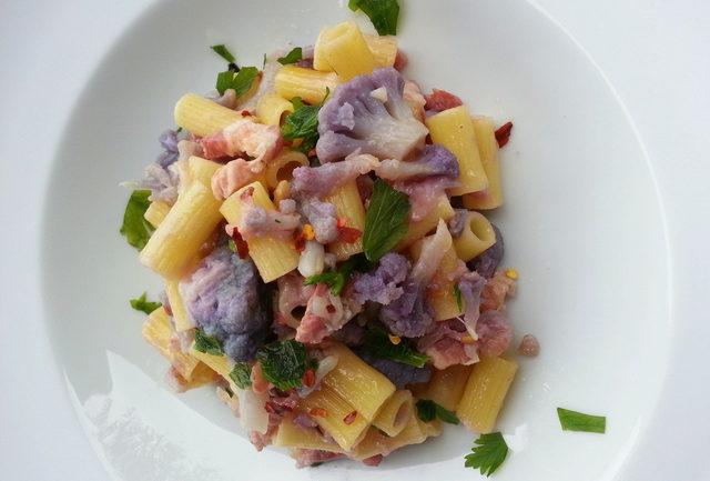Ditaloni with purple cauliflower