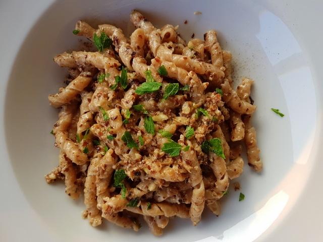 Busiate Tumminia with radicchio pesto