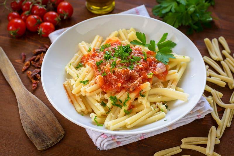 Strozzapreti with tomato sauce