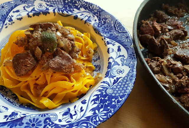 tagliatelle with chicken liver