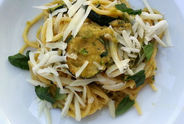 Spaghetti with fried zucchini spaghetti alla Nerano