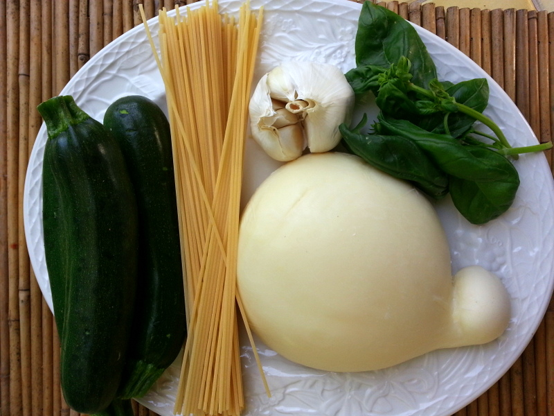Spaghetti with zucchini ingredients