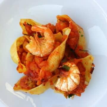 conchiglioni with prawns