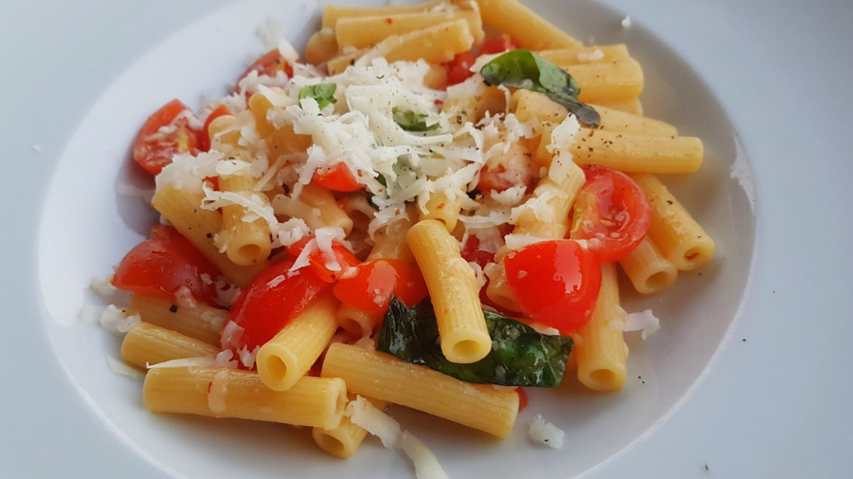 Sedani rigati in pasta salad