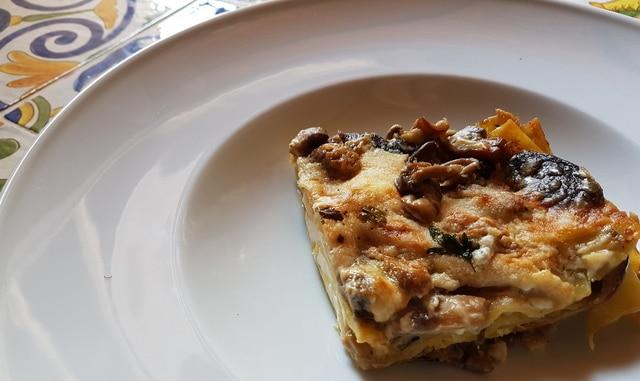 Lasagna bianca with mushrooms and burrata
