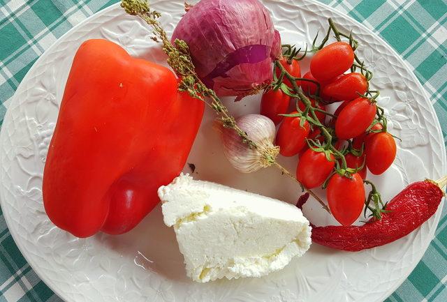 Fusilli pasta with pesto Calabrese