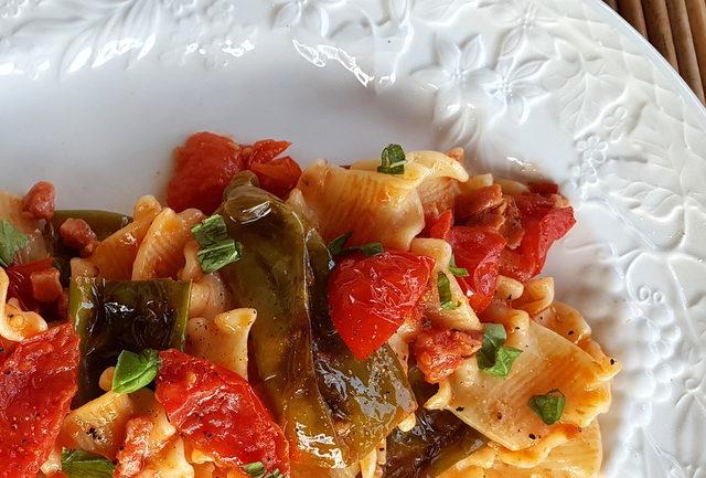 Pasta with friggitelli (friarielli)