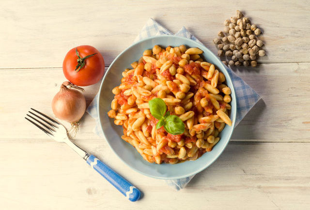 cavatelli pasta with chickpeas and tomatoes