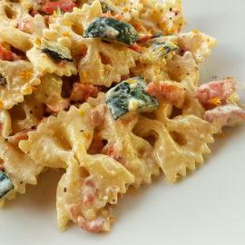 farfalle pasta with smoked salmon & zucchini