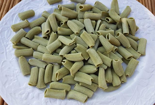 Rigatoni made with pistachio