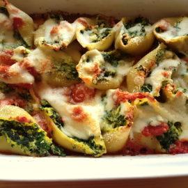 Conchiglioni pasta shells with spinach and ricotta