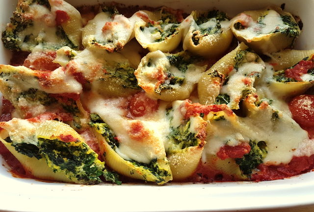 Conchiglioni pasta shells with spinach and ricotta