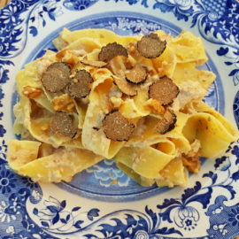 Pappardelle pasta with walnut sauce and black truffle
