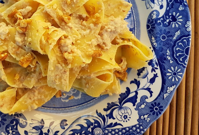 Pappardelle pasta with walnut sauce