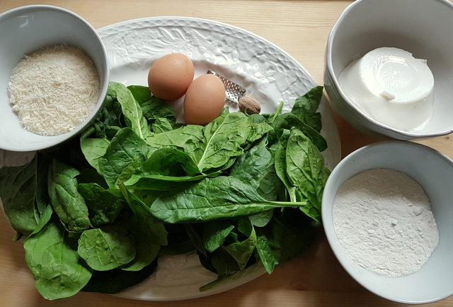 ingredients for Baked Tuscan gnudi (Malfatti)