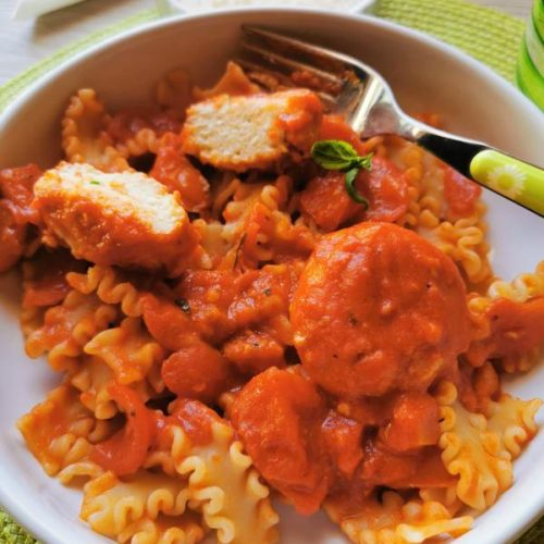 Calabrian ricotta balls in tomato sauce with pasta