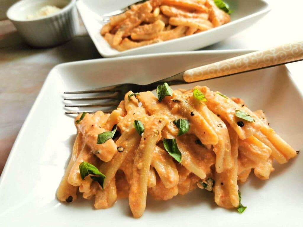 casarecce pasta with Sicilian pesto (pesto alla Siciliana)