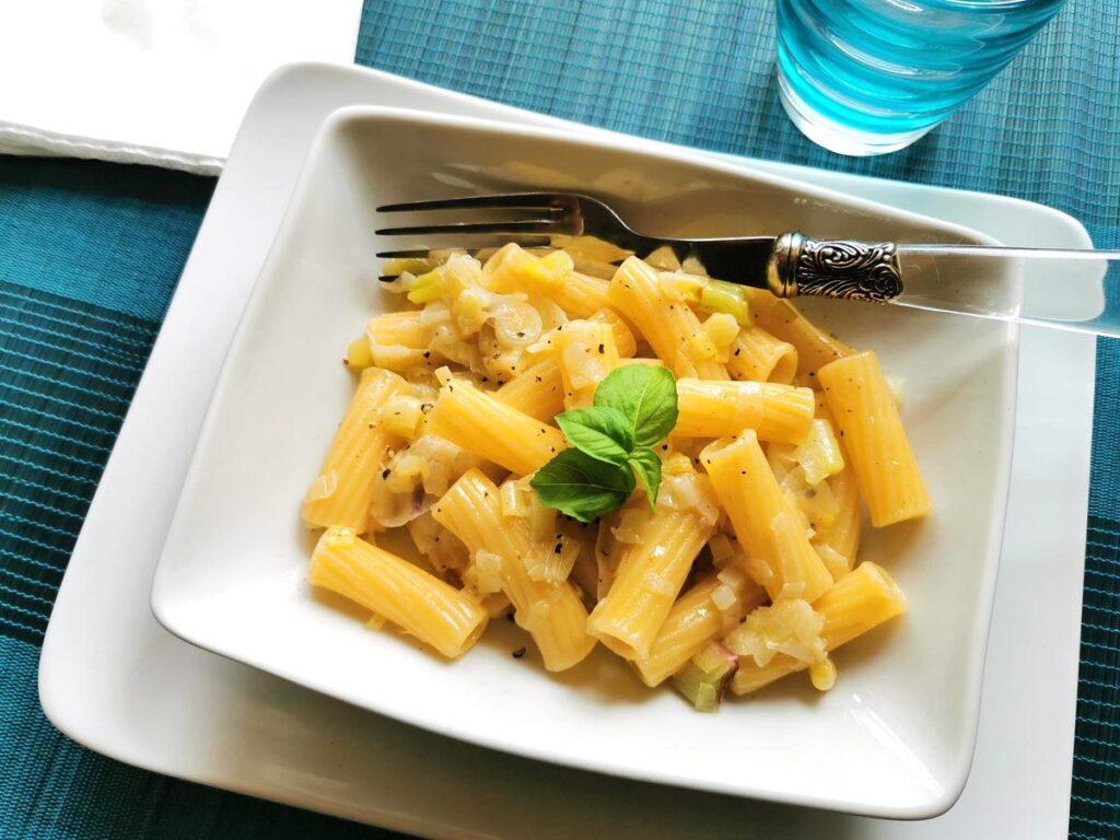 elicoidali pasta with tropea onions