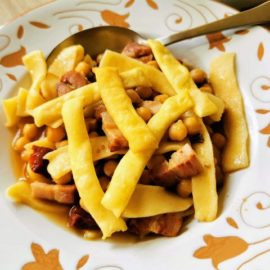 fried sagne pasta with chickpeas