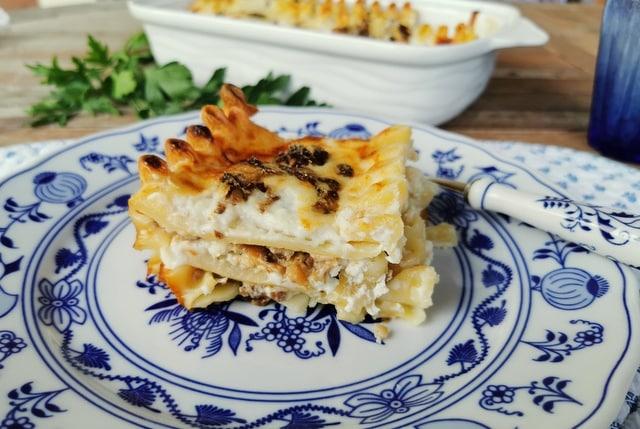 Italian ricotta mushroom lasagne al forno (baked lasagna)