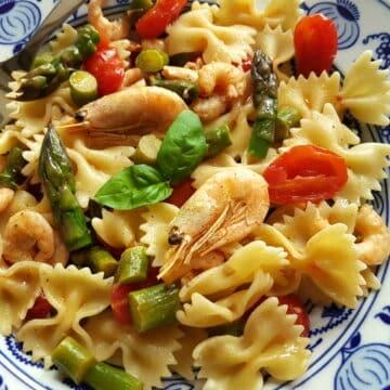 Italian shrimp and asparagus farfalle recipe