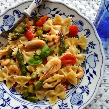 Italian shrimp and asparagus farfalle recipe