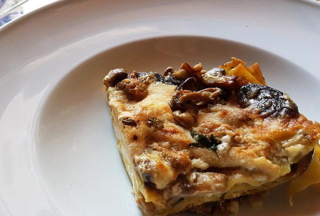 Lasagna bianca with burrata and mushrooms.