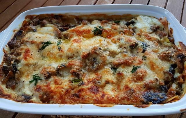 lasagna bianca with mushrooms and burrata (7 Italian lasagna recipes)