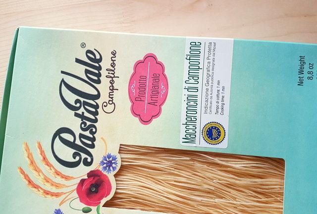 box of dried Maccheroncini di Campofilone from Le Marche