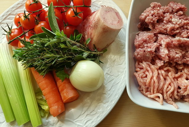 ingredients for Maccheroncini di Campofilone pasta with Marchigiano ragu