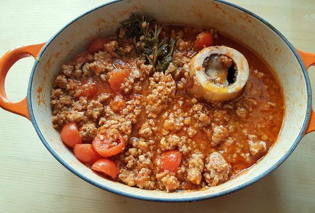 Marchigiano ragu cooking in Dutch oven