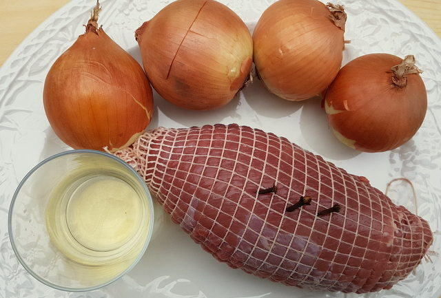 ingredients for maltagliati pasta with braised veal and onions