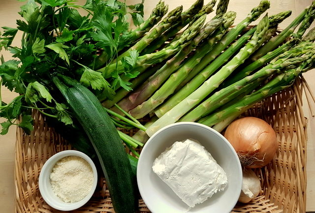 Ingredients in basket for Northern Italian asparagus pasta recipe