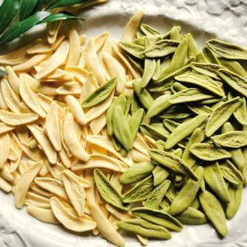 green and white olive leaf pasta