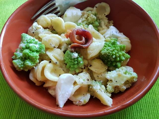 orecchiette with Romanesco broccoli pasta recipes from Puglia