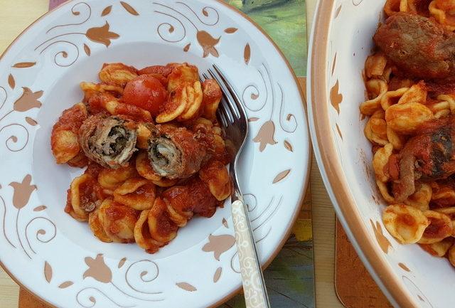 Orecchiette with braciole alla Barese (beef rolls)