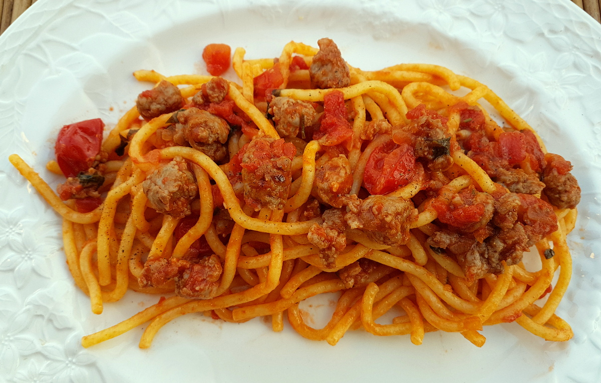 bigoli with luganega sausage pasta recipes from Veneto