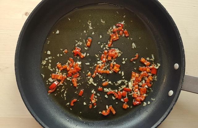 pasta aglio, olio, peperoncino