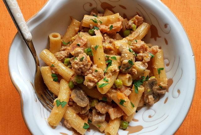 Pasta alla pastora recipe with leftover Bolognese from Alto Adige