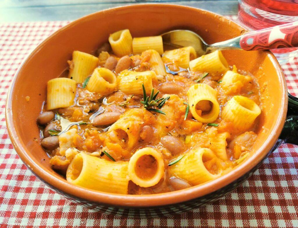 pasta with beans soup (pasta e fagioli)
