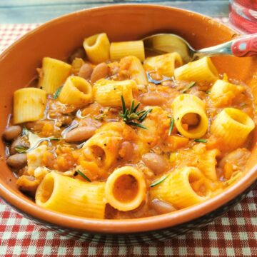 pasta with beans soup (pasta e fagioli)