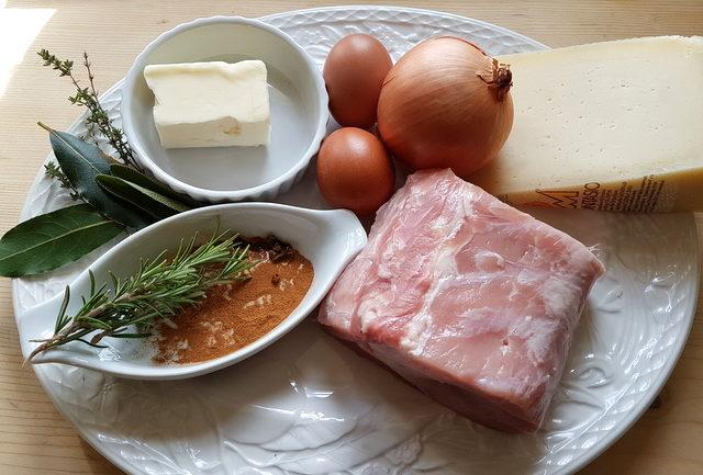 ingredients for pasta with cinnamon spiced pork ragu from Friuli Venezia Giulia.