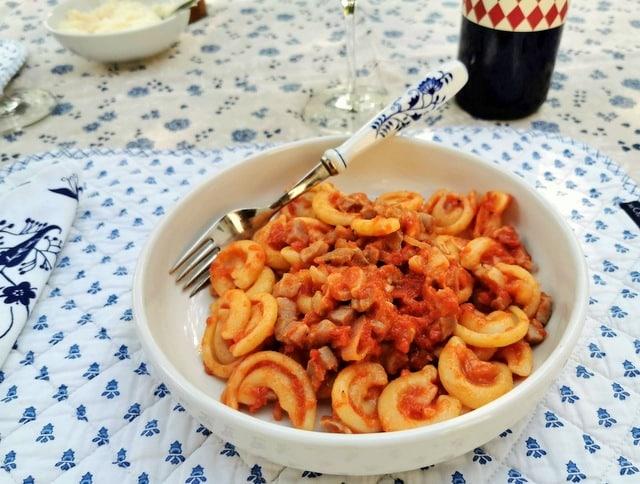 Prosciutto Ragu with Dischi Volanti