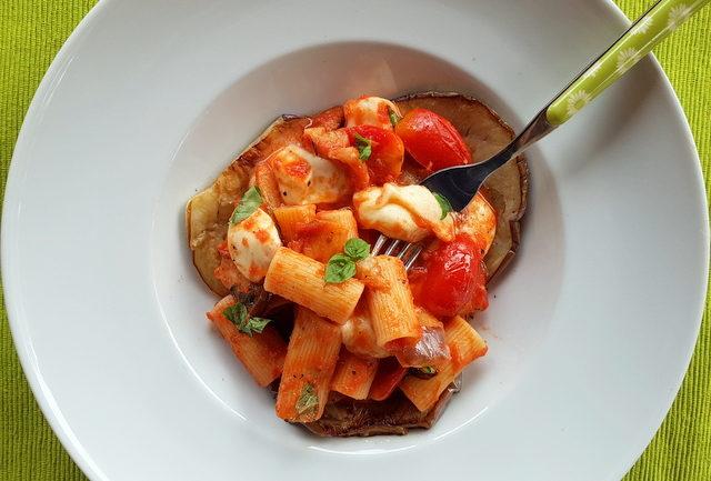 Rigatoni pasta alla parmigiana recipe