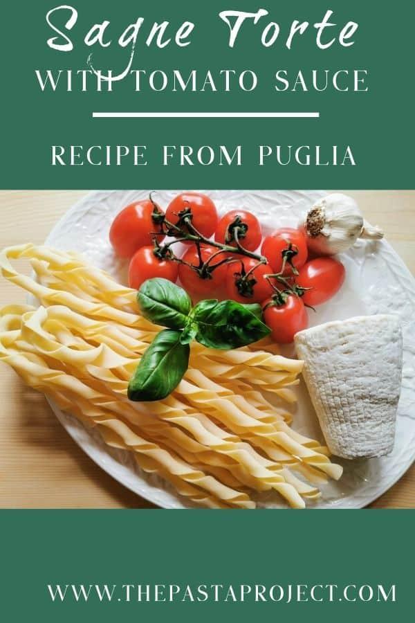 sagne torte with tomato sauce