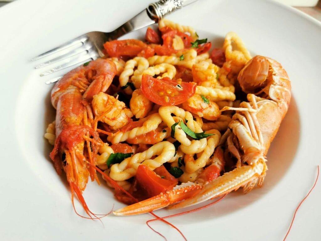 Sardinian lorighittas with prawns and scampi