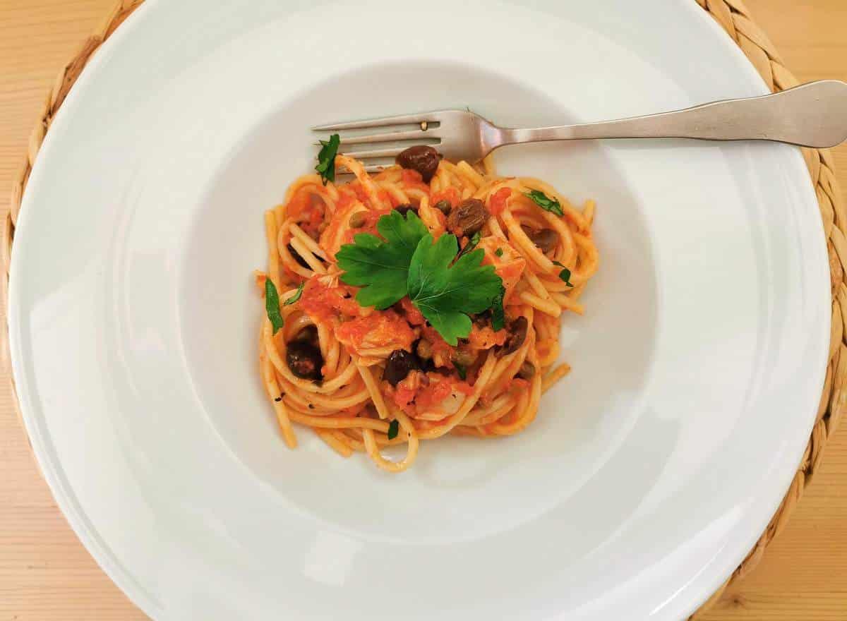 spaghetti with salt cod (baccalà)