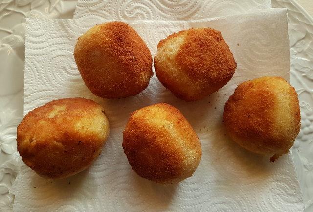Tagliolini pasta arancini (croquettes)